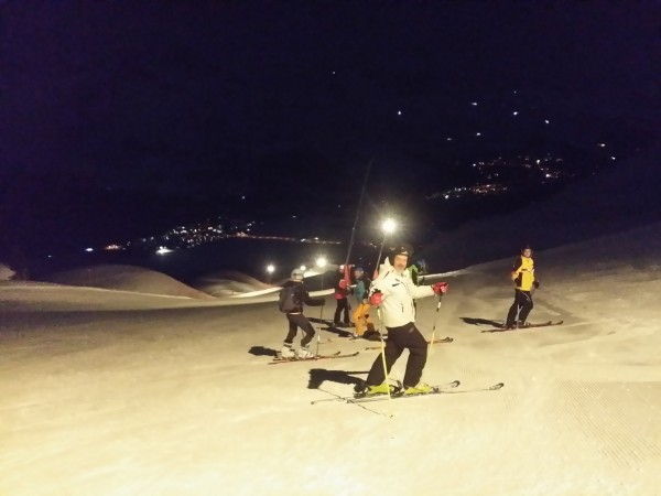 Sankt Moritz Ski night-gruppetto in....pista  2017-03-11 20.12.48.jpg